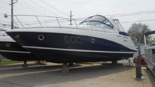 2016 Rinker 360 Express Cruiser