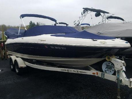 2006 Sea Ray 205 Sport