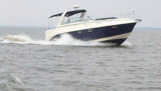 2005 Rinker 360 Express Cruiser