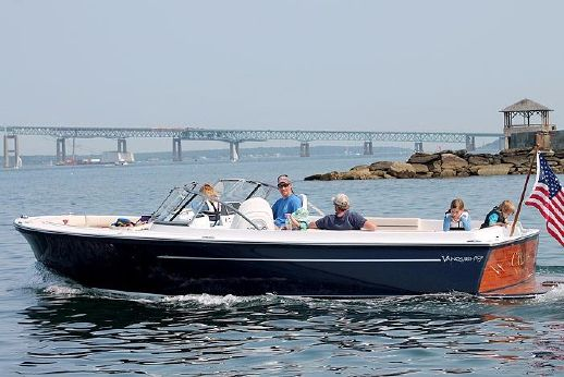 2017 Vanquish Boats 26 DCE