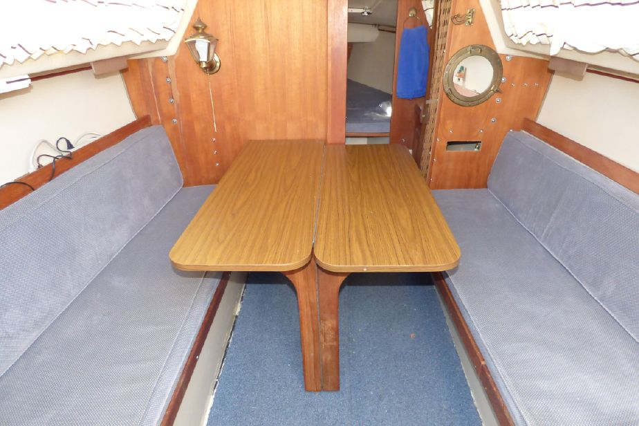1984 Catalina 25 Standard Rig Sloop Sail Boat For Sale - www