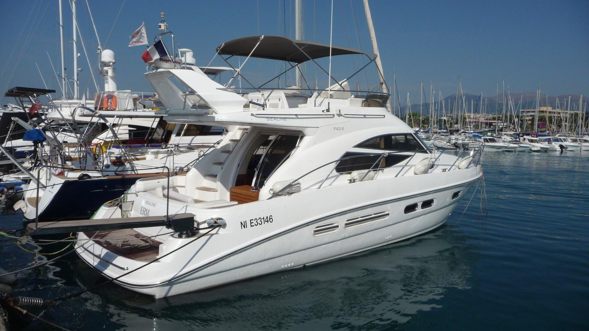 2010 Sealine 42 5 Motor Yacht For Sale Yachtworld