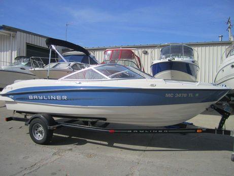 2011 Bayliner 215