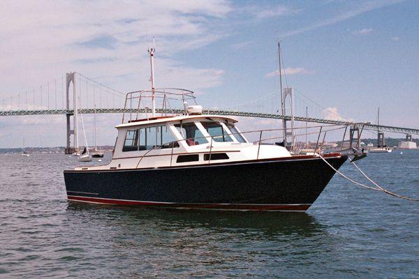 1993 Lyman Morse Custom Hunt Express Sedan Power Boat For