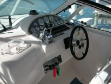 1999 Pro Line 3250 Express Cruiser