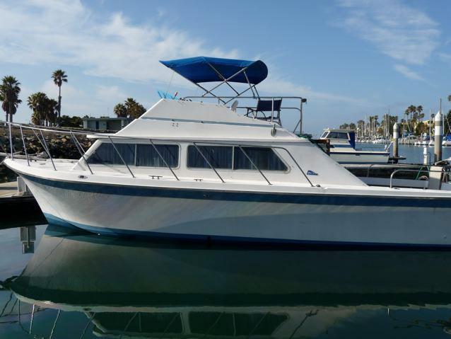 """""""Luhrs flybridge"""" boat listings"""