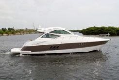 2014 Cruisers Yachts 540 Coupe