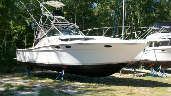 1989 Wellcraft Coastal 3300 Power Boat For Sale