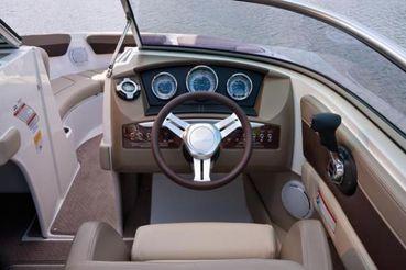 2012 Sea Ray 210 SLX