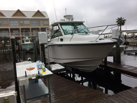 2013 Boston Whaler Conquest