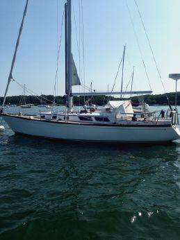 1980 Little Harbor Centerboard Sloop