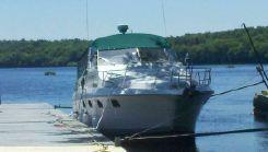 1990 Cruisers Yachts 3370