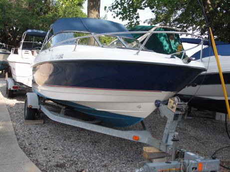 2005 Bayliner 210 Cuddy