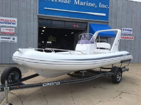 2017 Grand Inflatables S550GRF