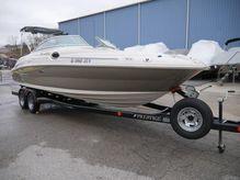 2005 Sea Ray 240 Sundeck