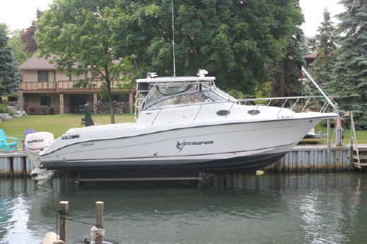 2007 Seaswirl Striper 3301 Walkaround (WA)