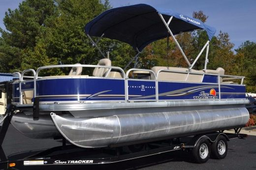 2014 Sun Tracker 22 Fishin Barge