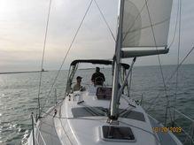 2004 Hunter 33