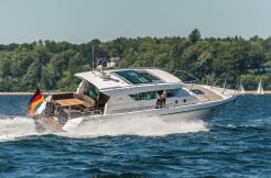 2017 Delta Powerboats 400 SW
