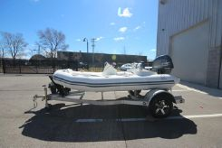 2019 Zodiac Yachtline 400 Deluxe NEO 50hp In Stock
