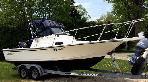1991 Boston Whaler 21 Walkaround