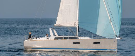 2014 Beneteau Oceanis 38 IN STOCK
