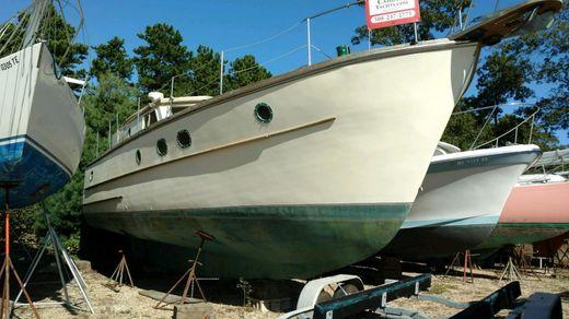 1985 Custom Trawler, cool coastal cruiser