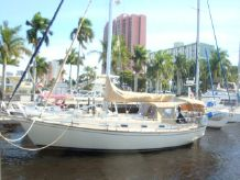 1991 Island Packet 35 W/Bow thruster
