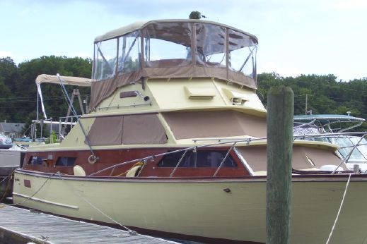 1968 Egg Harbor 37 Double Cabin Flybridge