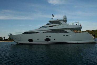 2009 Ferretti Yachts Custom Line 97