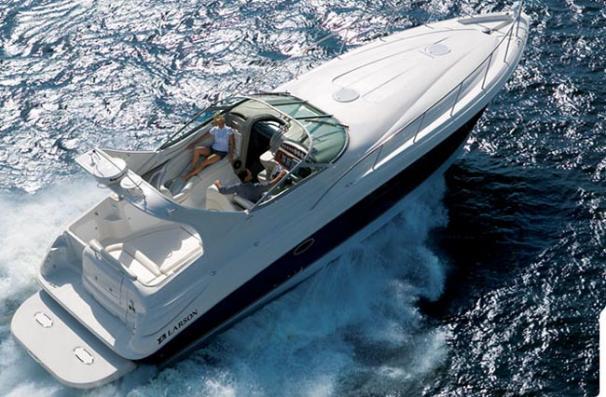 2005 Larson Cabrio 370 Express Cruiser For Sale