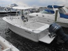 2015 Regulator 23 Forward Seating Center Console