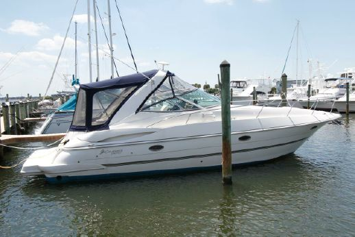 2005 Cruisers Yachts 340 Express w/Bow Thruster