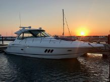 2009 Cruisers Yachts 42 COUPE
