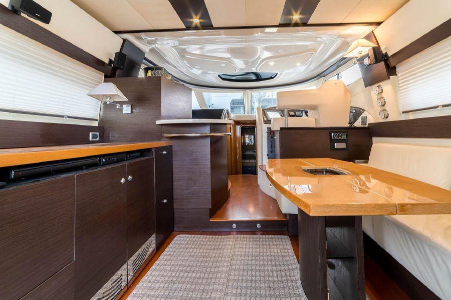 2008 Cranchi Atlantique 50 Yacht Salon Interior