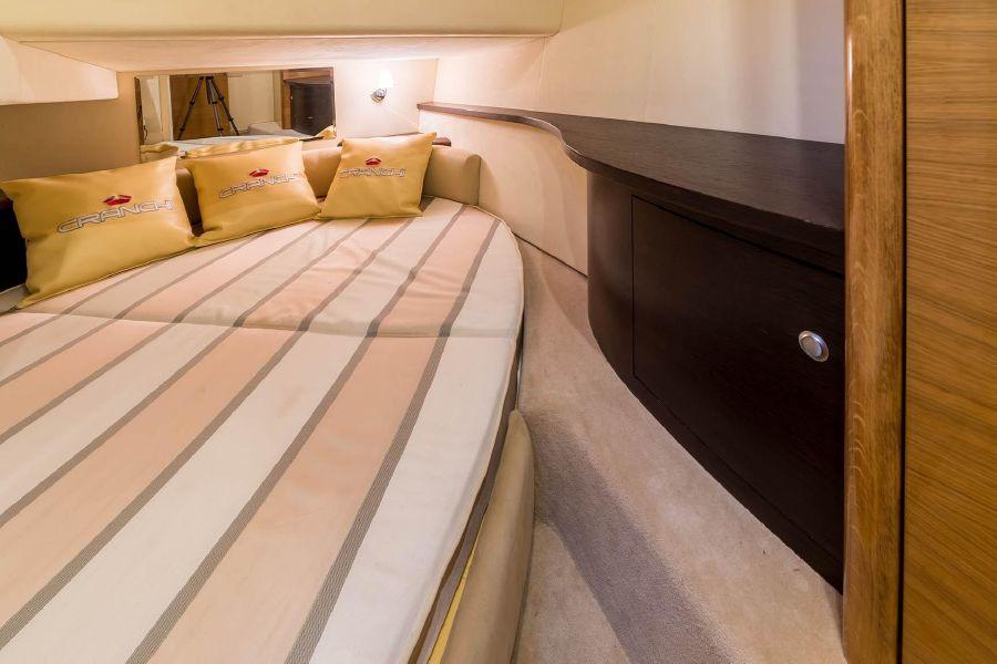 2008 Cranchi Atlantique Guest Bed