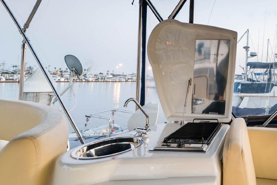 2008 Cranchi Atlantique 50 Yacht Flybridge Grill