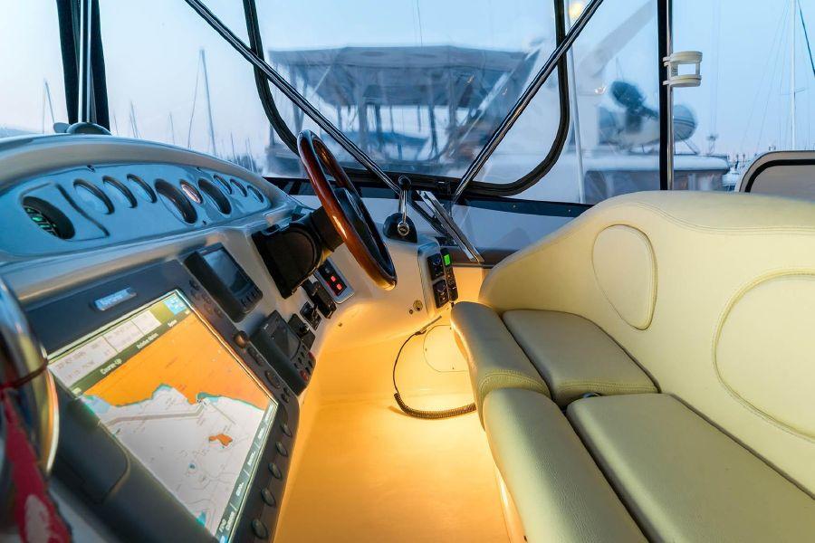2008 Cranchi Atlantique 50 Yacht Flybridge Helm