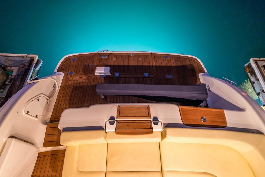 2008 Cranchi Atlantique 50 Yacht Cockpit