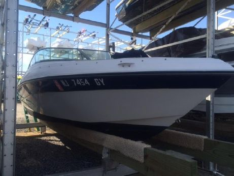 2007 Four Winns 190 Horizon Bow Rider