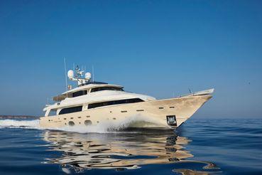 thumbnail photo 0: 2010 Ferretti Yachts Custom 33m