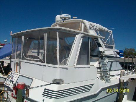 1989 Sea Ray 440 Aft Cabin
