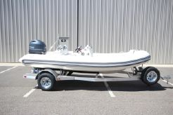 2020 Zodiac Yachtline 490 Deluxe NEO 90hp In Stock