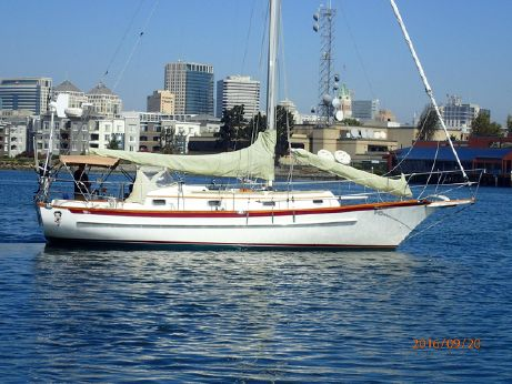 1995 Cabo Rico 34 Cutter