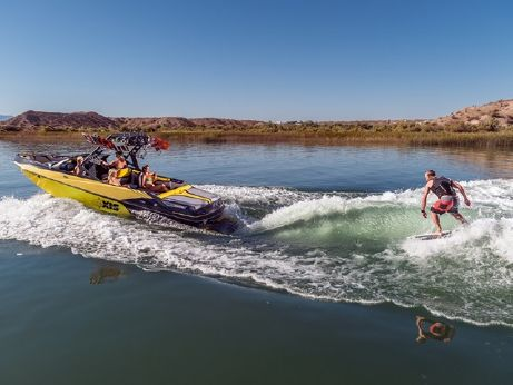 2015 Axis Wakeboard Boat T23