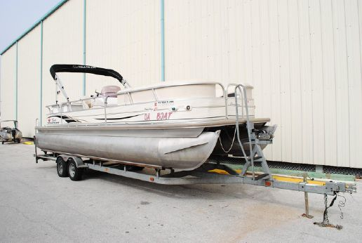 2007 Sun Tracker 27 Party Barge