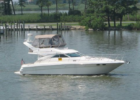 1998 Sea Ray 400 Sedan Bridge Low Hours