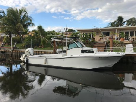 1992 Dusky 256 Fisherman's Cuddy