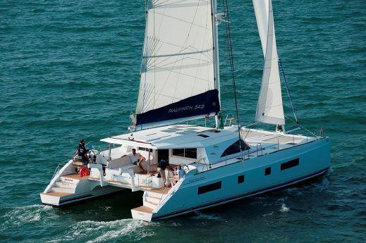 2015 Bavaria Nautitech Catamaran 542