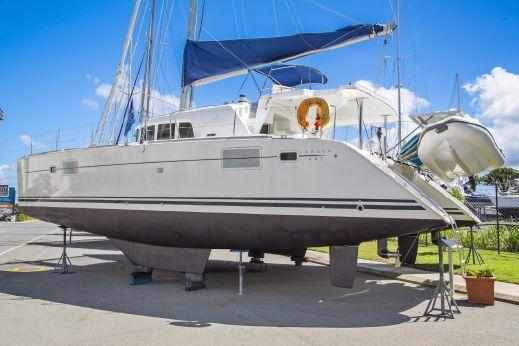 2005 Lagoon 440